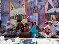 И снова неутомимые музыканты исполняют бхаджаны и каввали